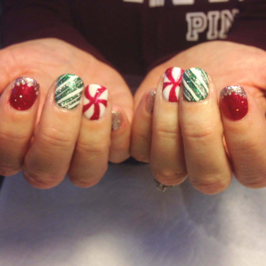 Best Christmas Gel Nails: Christmas Nail Art With Gel Polish