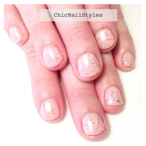 My older sister's nails...who lives here in town and we never do her nails! I love this combo! Gelish Pink Smoothie with Golden Treasure...so pretty!