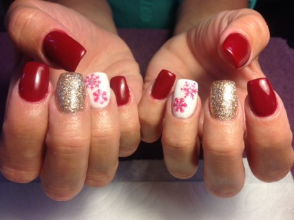 Christmas nail art and a recap of my first week back to work i love young nails synergy gel prinsesfo Choice Image