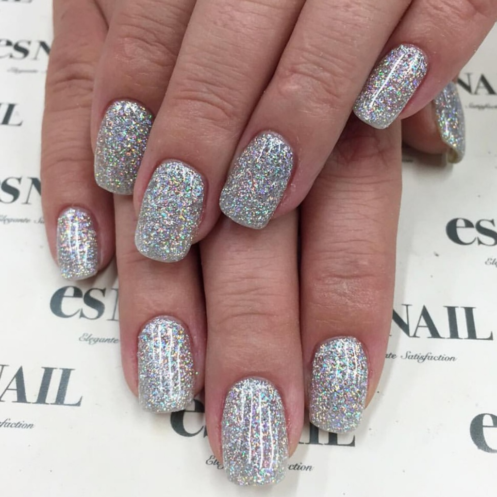 So sparkly! Would go perfect with fireworks and champagne!